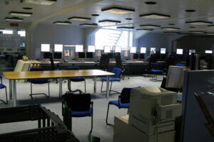 800px-Control_room_at_CERN_img_0987